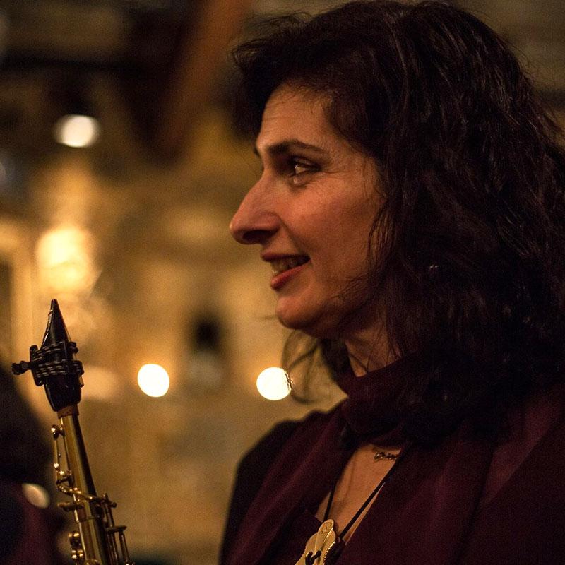 Στέλλα Αραμπατζόγλου